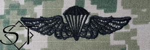 NWUIII AOR2 Navy Parachutist Embroidered Badge-Woodland